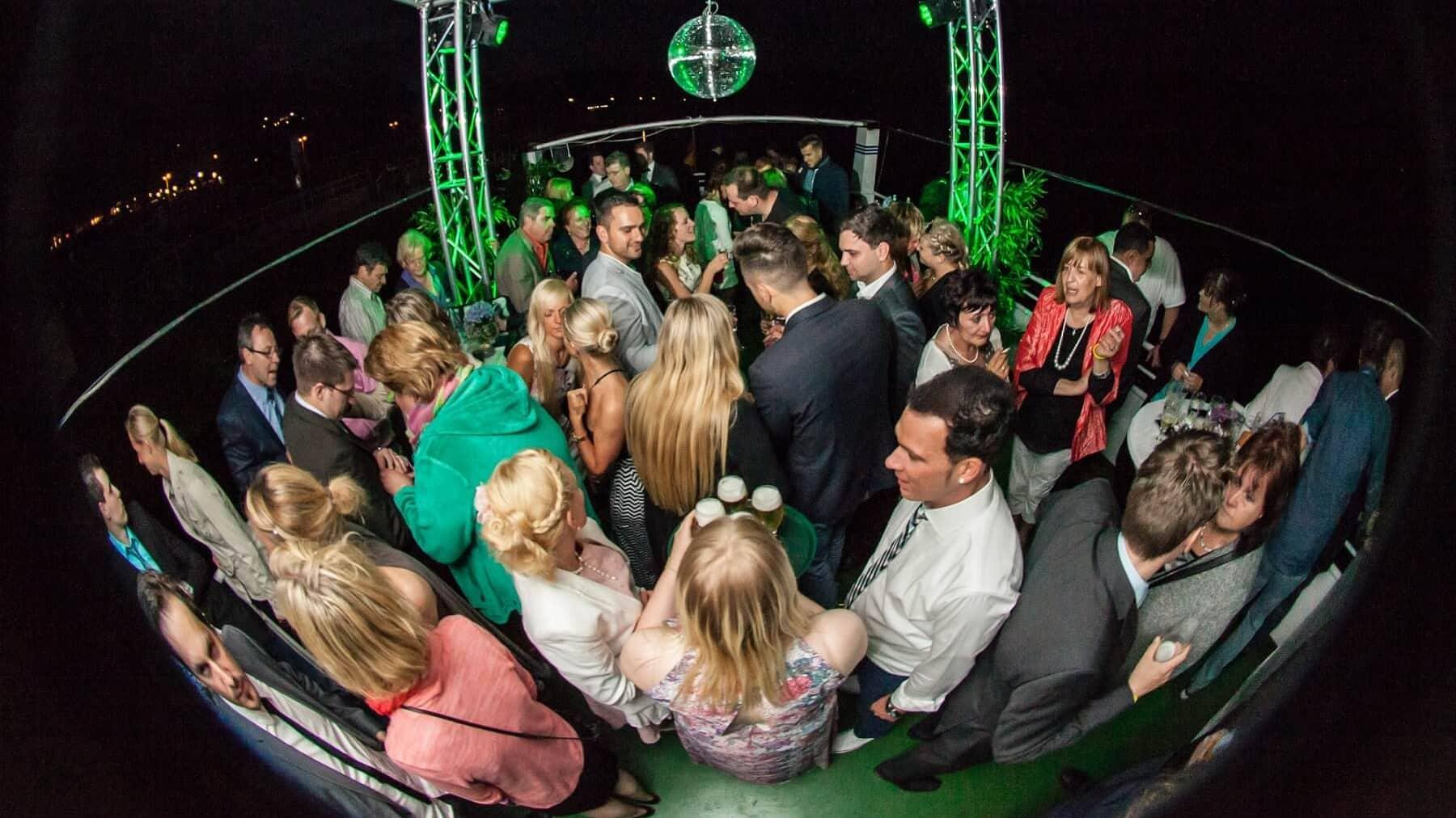 Party auf dem Baldeneysee